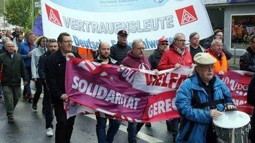 Demonstrationszug zum Kornmarkt in Siegen
