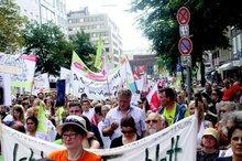 Auch Beschäftigte aus Südwestfalen kamen zur Demonstration nach Düsseldorf.