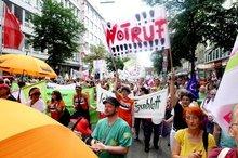 Auch Beschäftigte aus Südwestfalen kamen zur Pflegedemo nach Düsseldorf.
