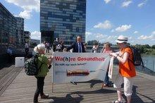Beschäftigte in der Pflege aus Südwestfalen mit Gesundheitsminister Jens Spahn.