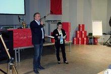 Thomas Köhler und Elke Fleßner begrüßen die Delegierten
