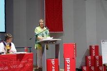 Corinna Groß, stv. Landesbezirksleiterin, spricht zur aktuellen gewerkschaftspolitischen Lage
