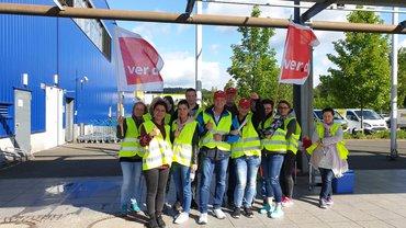 Beschäftigte bei IKEA und Smyths Toys aus Siegen