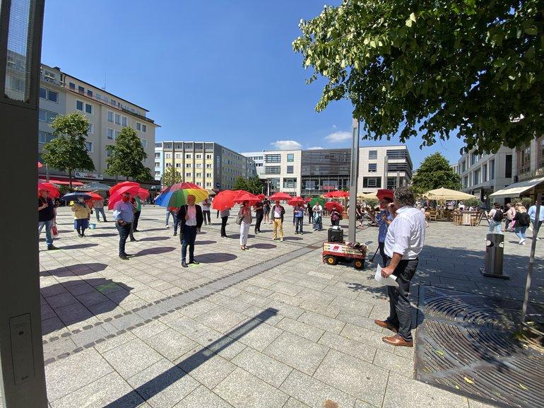 Gut gefüllt war der Platz vor dem Rathaus in Hagen